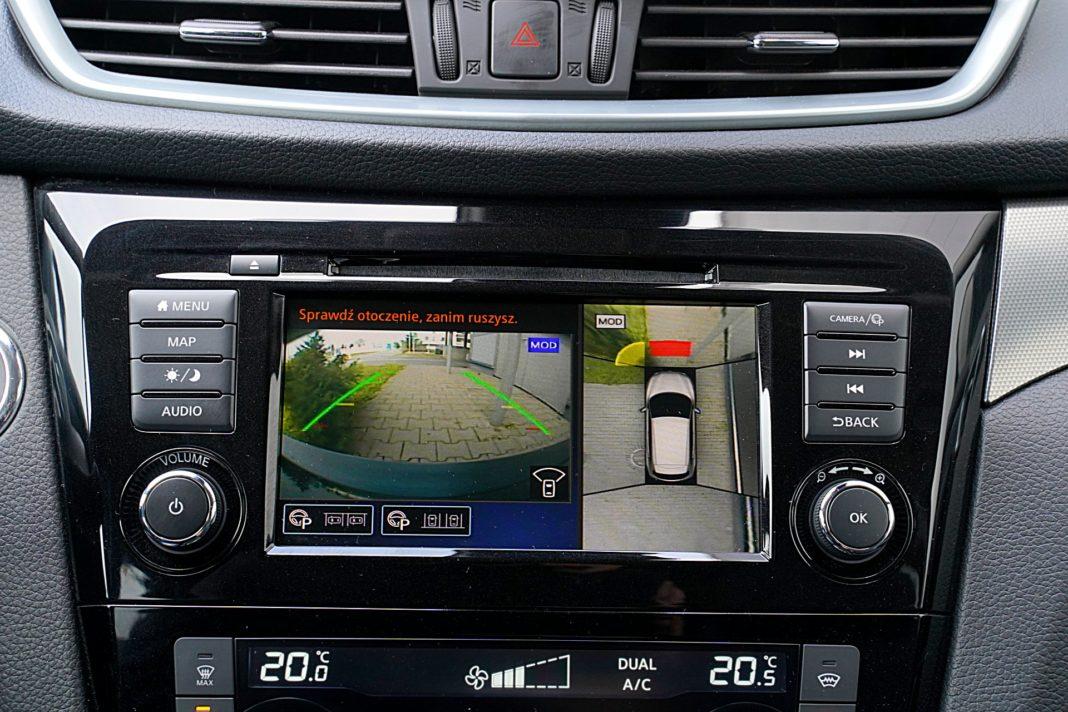 Nissan Qashqai DIG-T 160 DCT Tekna – kamery i asystent parkowania