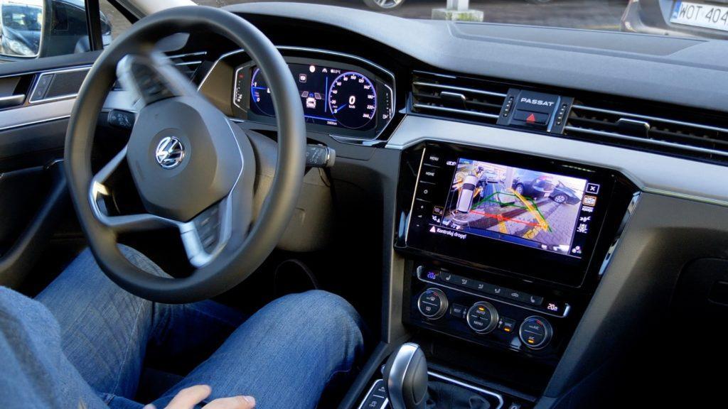 VW Passat - automatyczne parkowanie