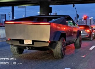 Elon Musk testuje Teslę Cybetruck na ulicach Los Angeles