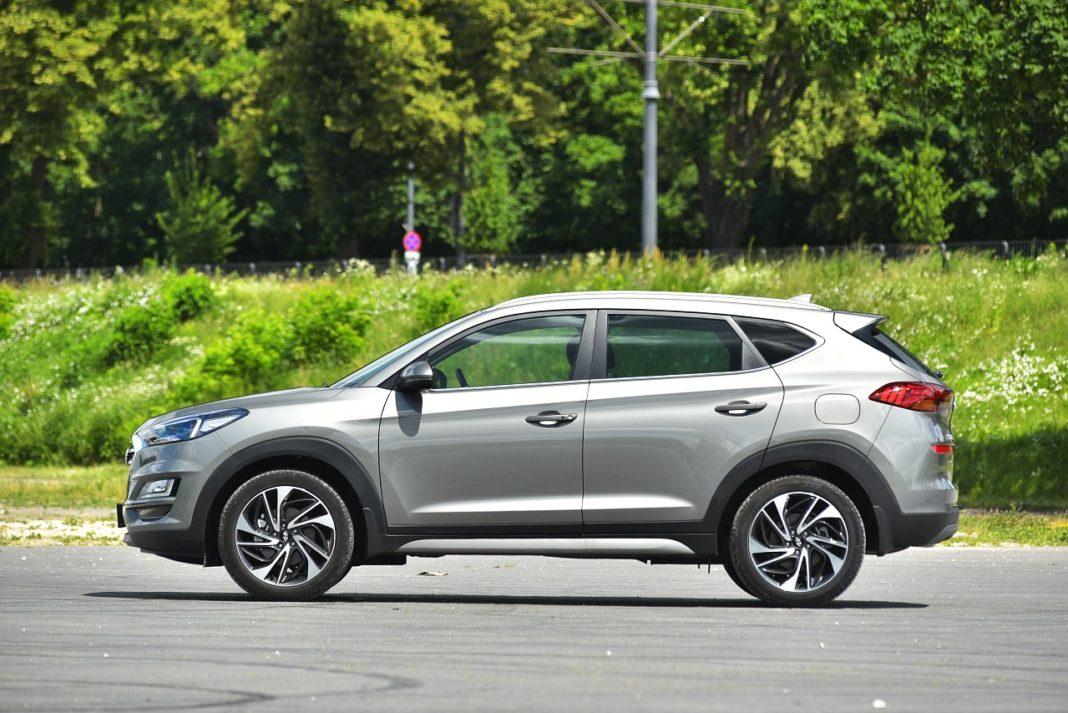 Hyundai Tucson 2.0 CRDi 4WD bok
