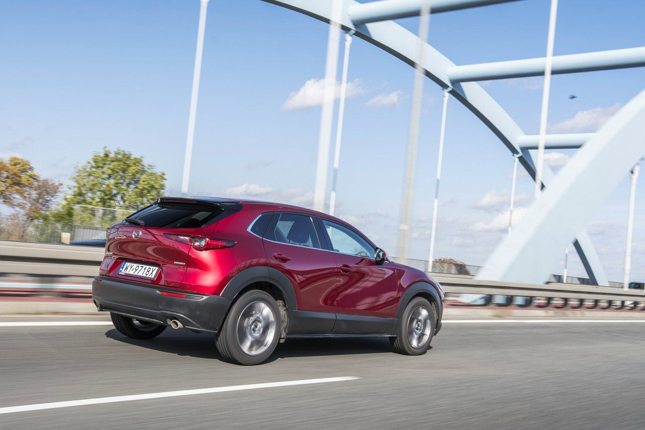Mazda CX-30 2.0 Skyactiv-G 6AT Hikari