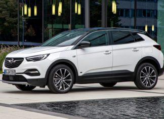 Debiutuje hybrydowy Opel Grandland X z przednim napędem
