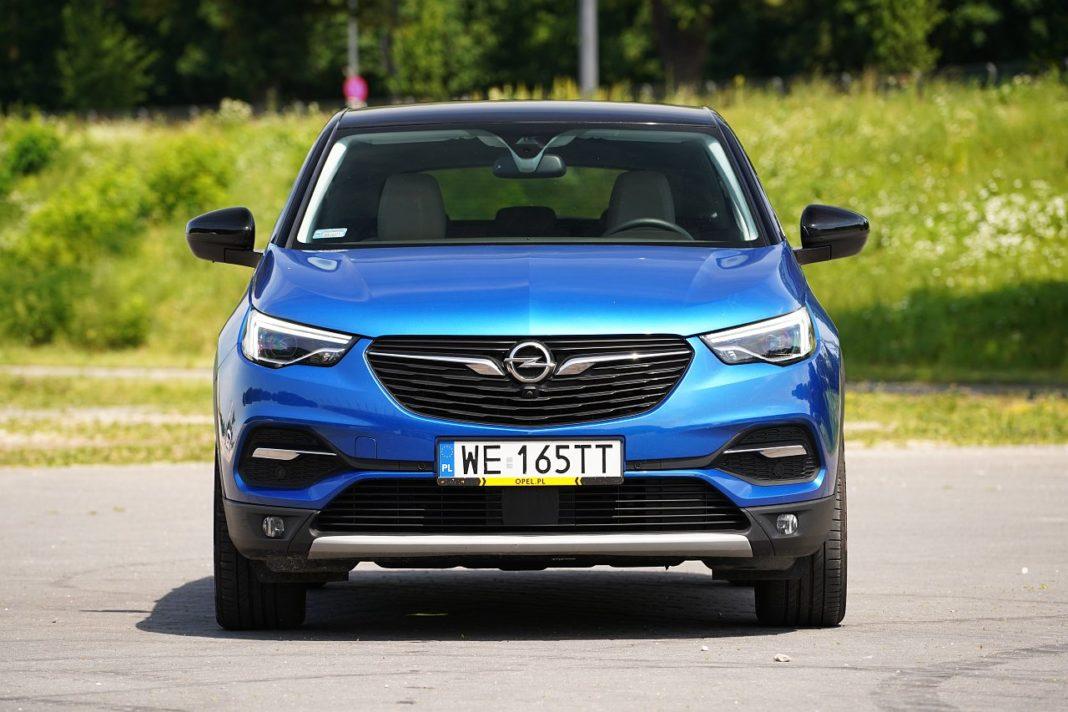 Opel Grandland X 2.0 D 177 A8 - przód