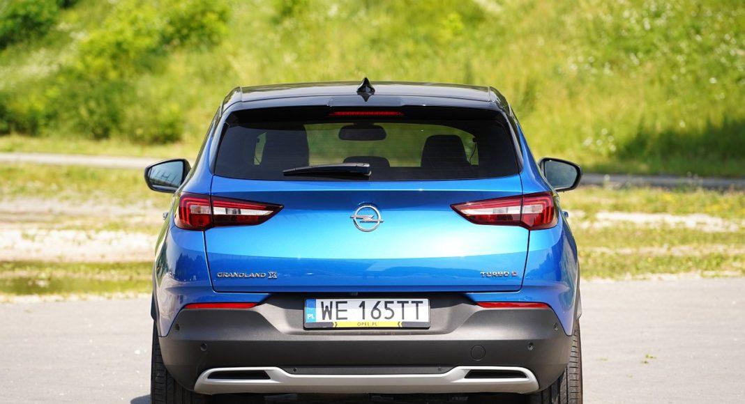 Opel Grandland X 2.0 D 177 A8 - tył
