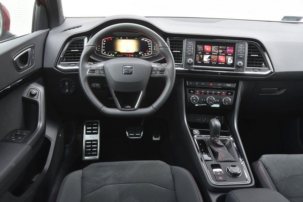 Seat Ateca 2.0 TDI 190 4Drive - kokpit deska rozdzielcza