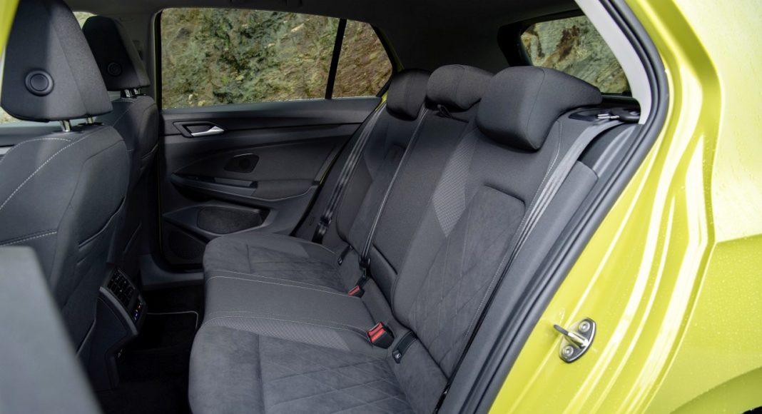 Volkswagen Golf 8 (2020) - kanapa, fotele tył