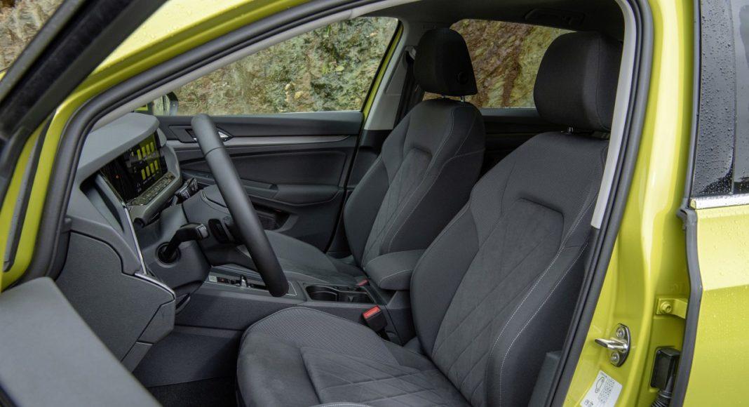 Volkswagen Golf 8 (2020) - fotele przód