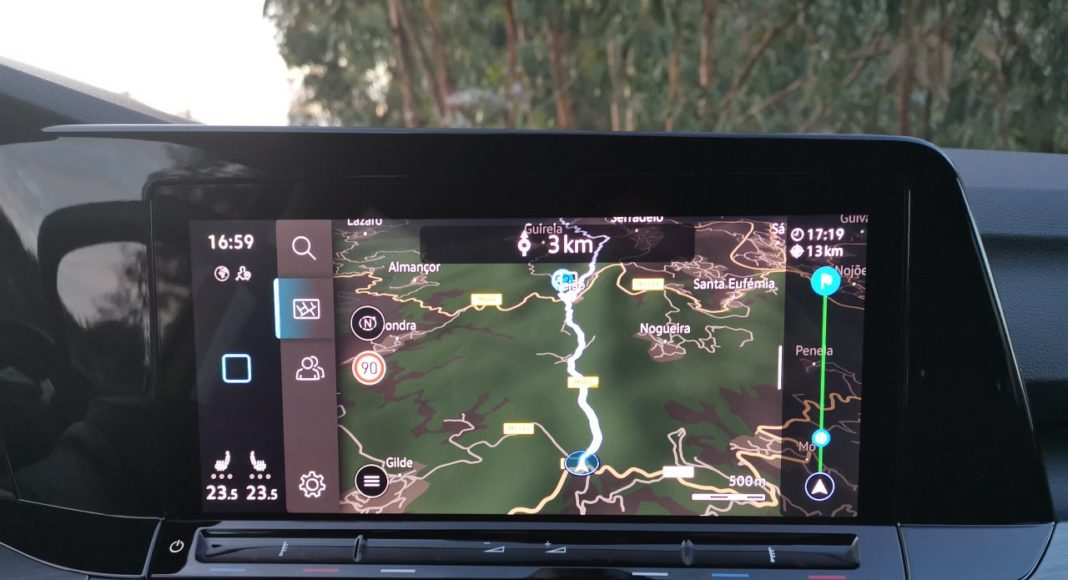 Volkswagen Golf VIII (2020) - nawigacja