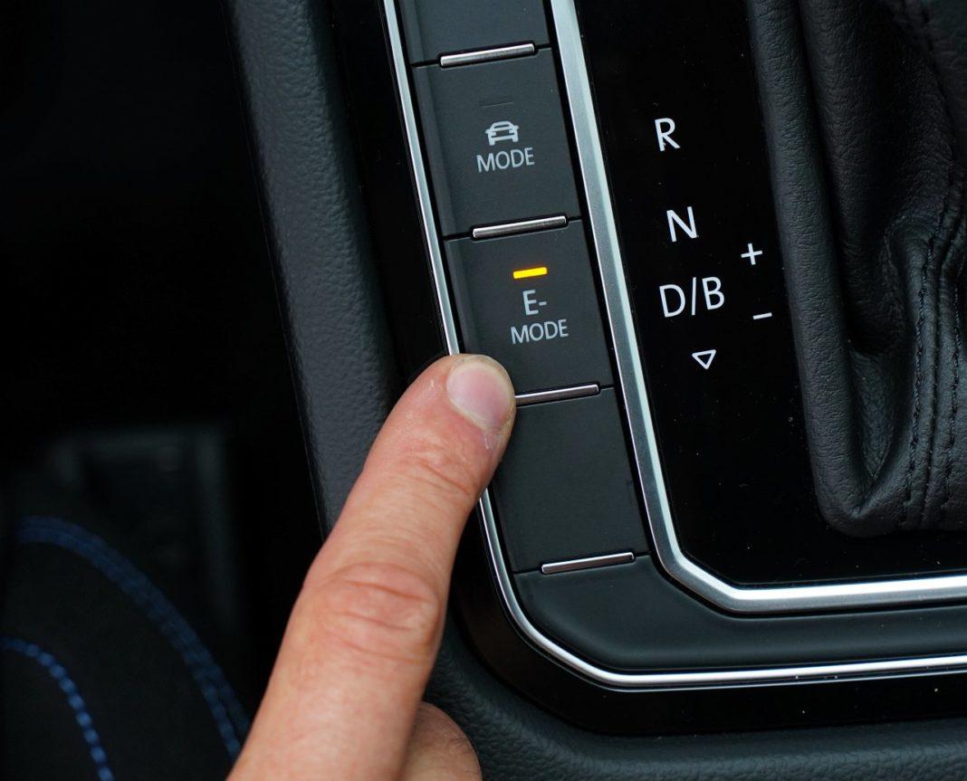 volkswagen passat gte b8 lifting 2019 tryb elektryczny