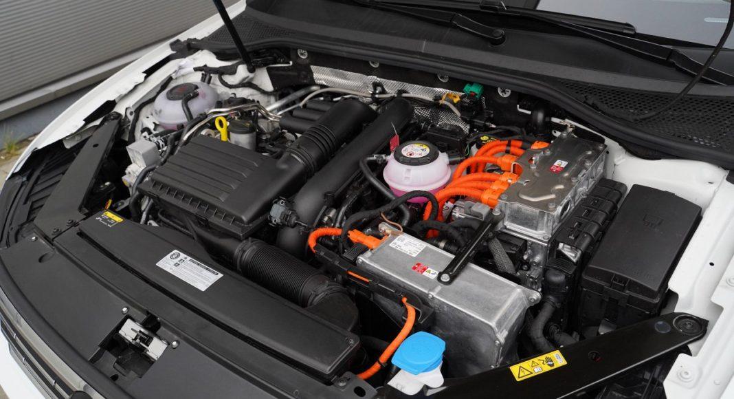 volkswagen passat variant b8 lifting 2019 napęd hybrydowy plug-in silnik benzynowy