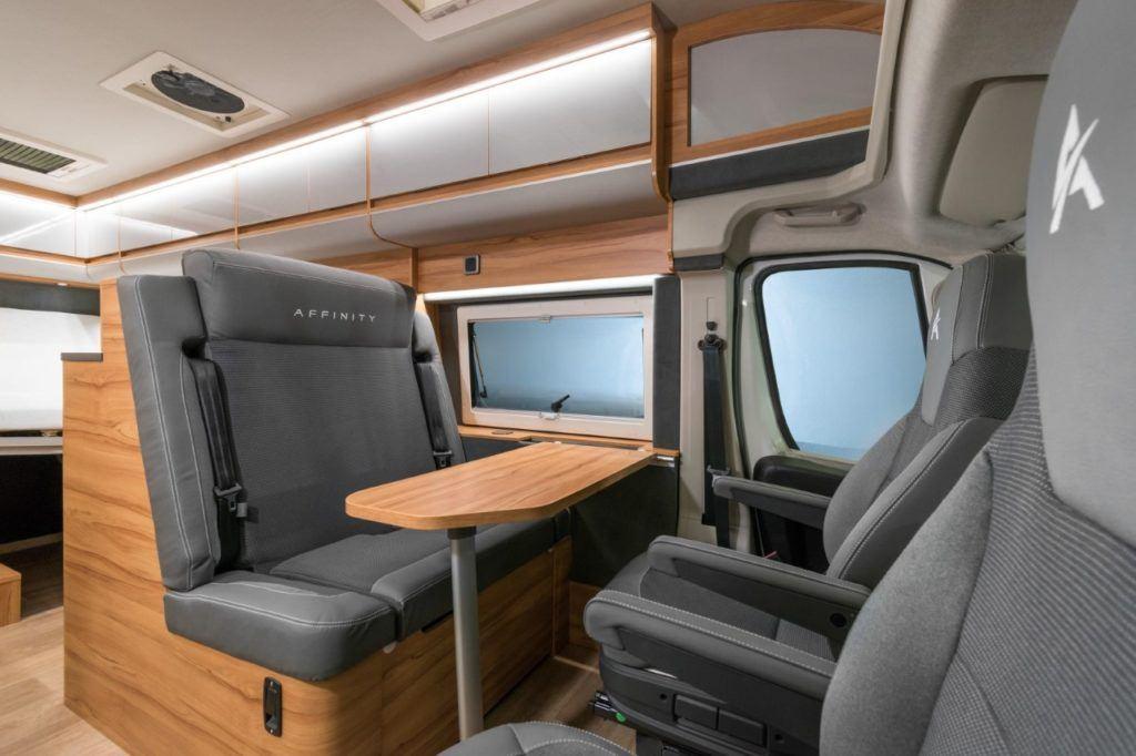 Affinity Camper Van wnętrze