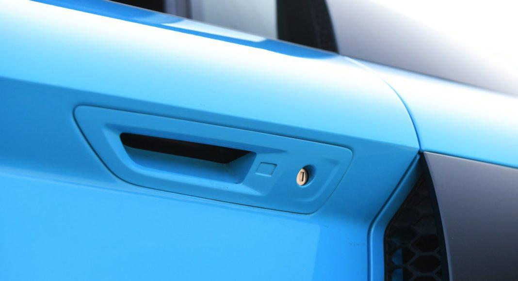 Audi R8 V10 performance po liftingu (2020) - klamka drzwi