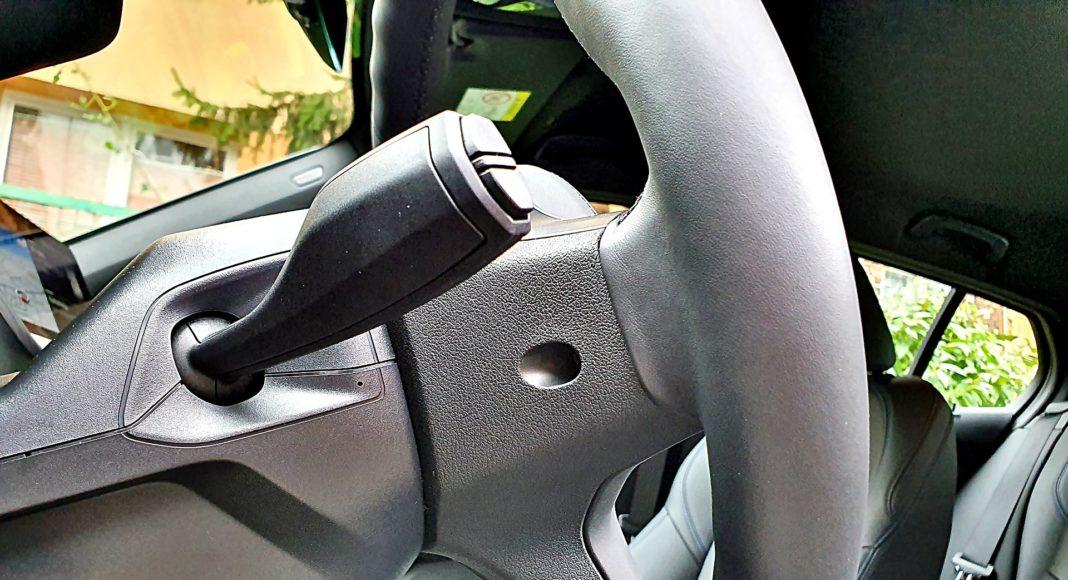 BMW 118i Steptronic – kierownica