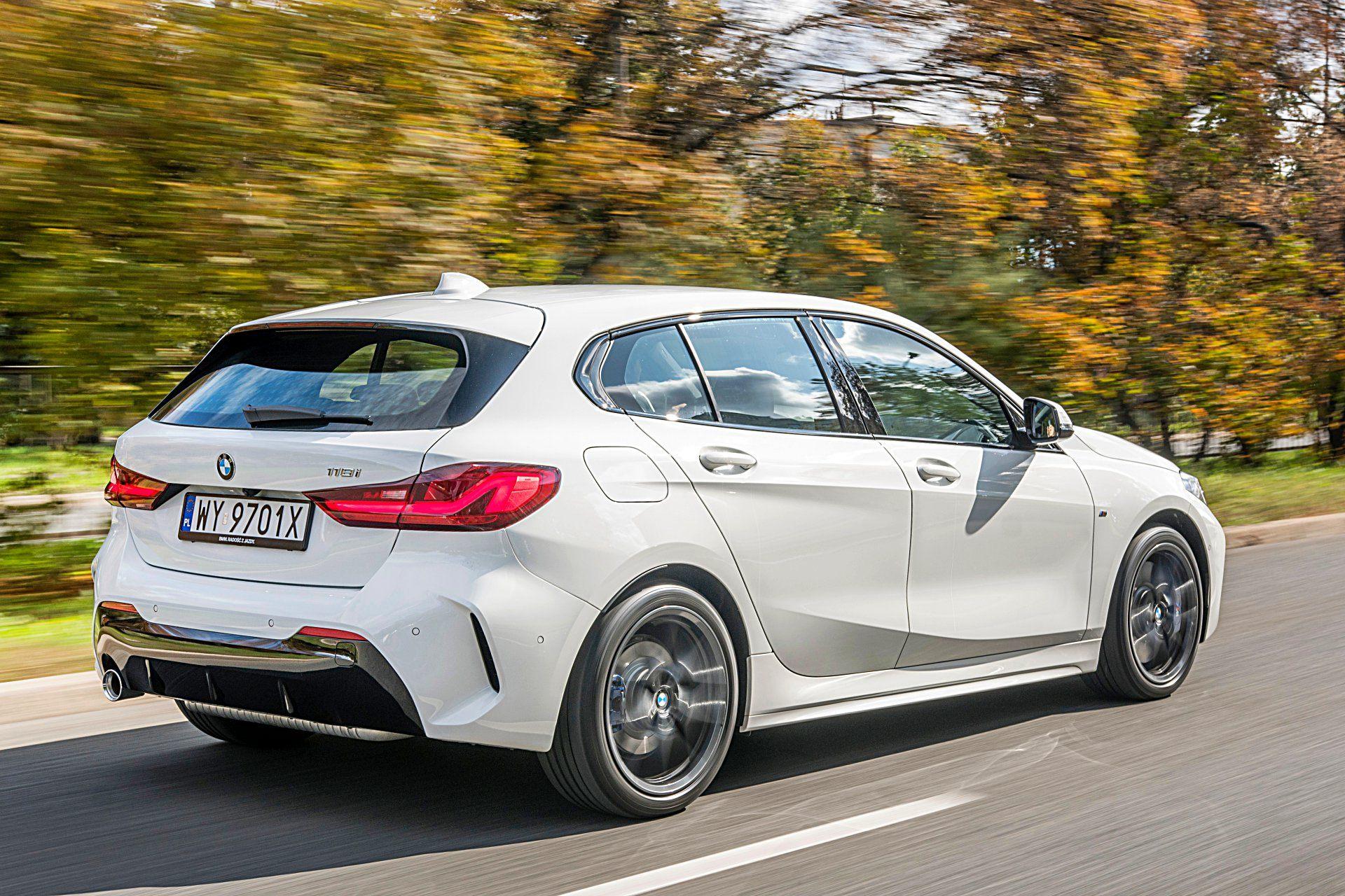 BMW 118i F40 tył