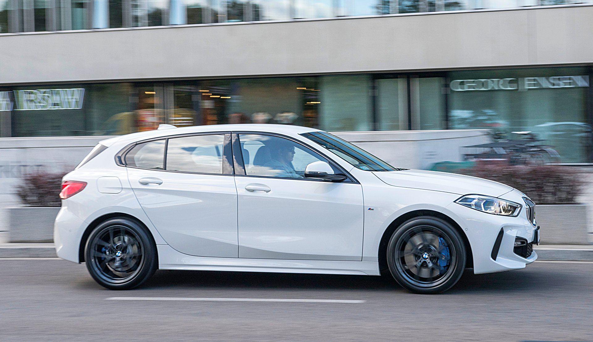 BMW 118i F40 bok