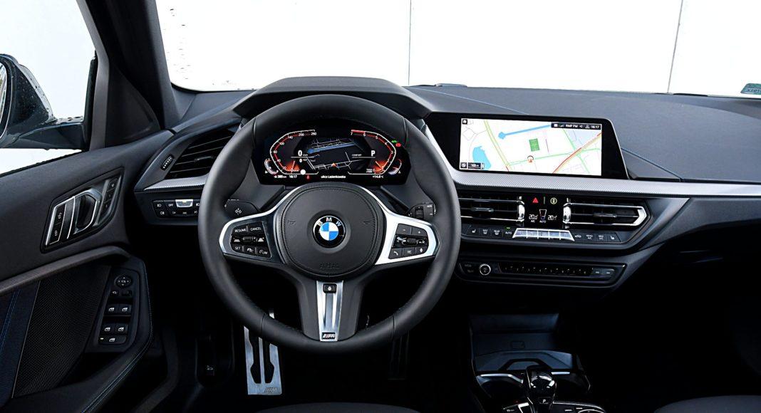 BMW 118i Steptronic – deska rozdzielcza