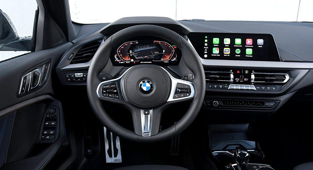 BMW 118i F40 deska rozdzielcza