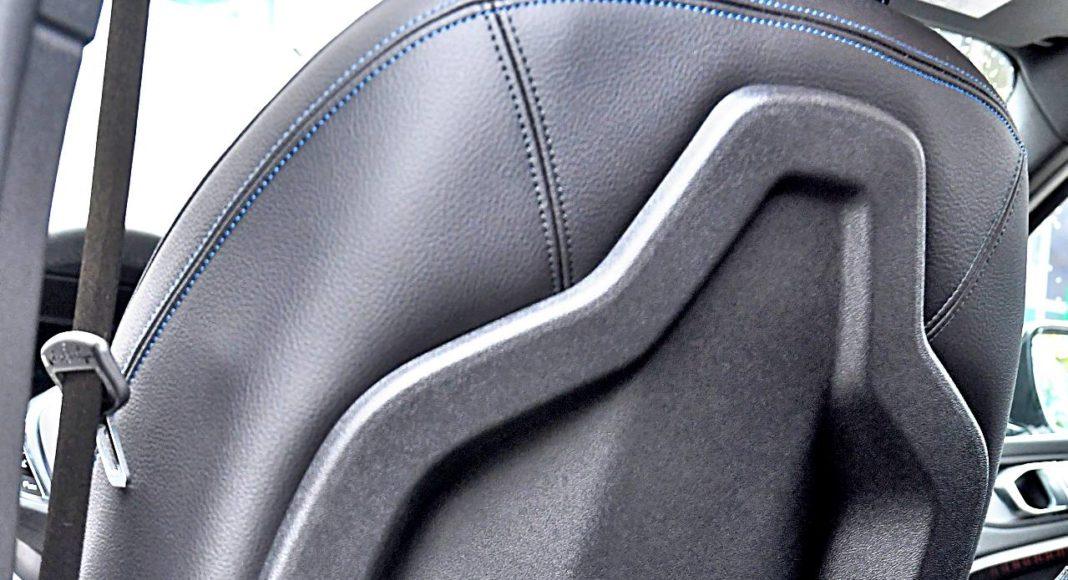 BMW 118i tył fotela kierowcy