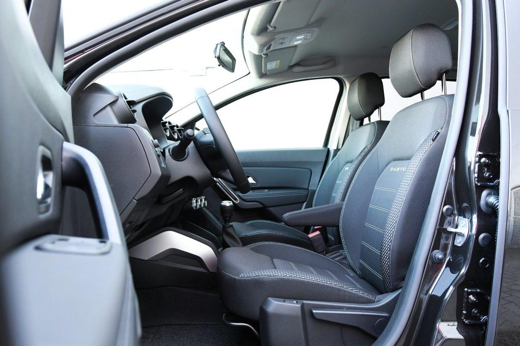 Dacia Duster 1.3 TCe 150 4WD Prestige test 2020 - fotele