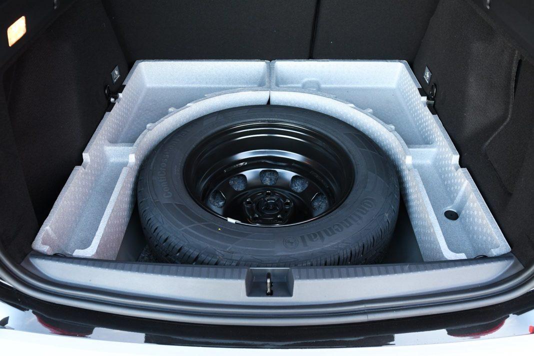 Dacia Duster 1.3 TCe 150 4WD Prestige test 2020 - koło dojazdowe