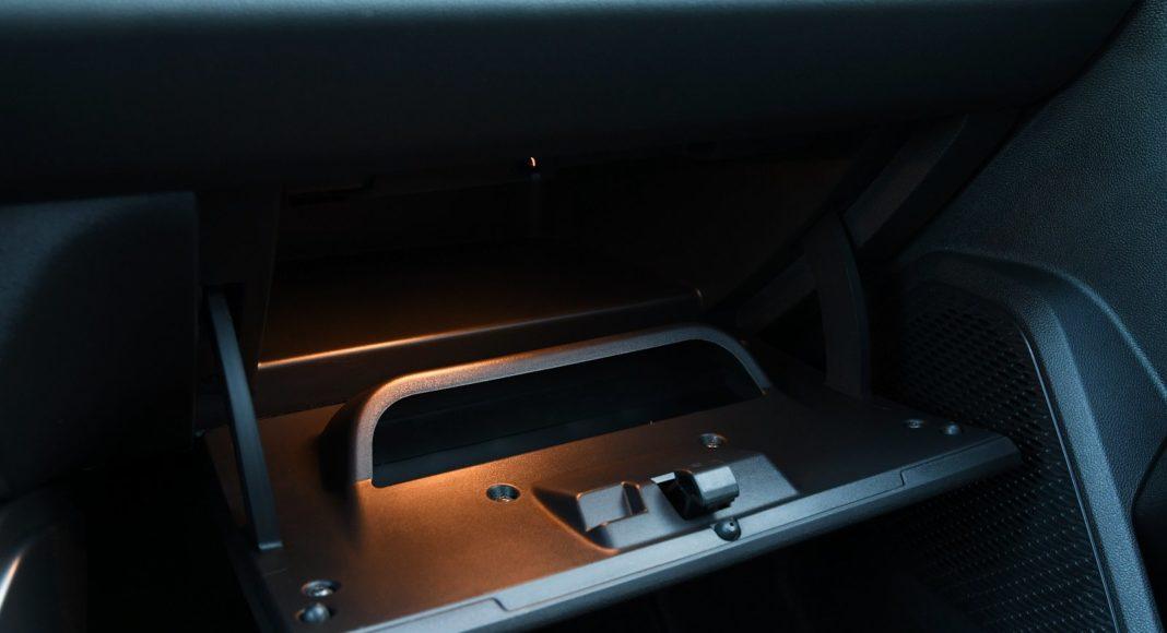Dacia Duster 1.3 TCe 150 4WD test 2020 schowek