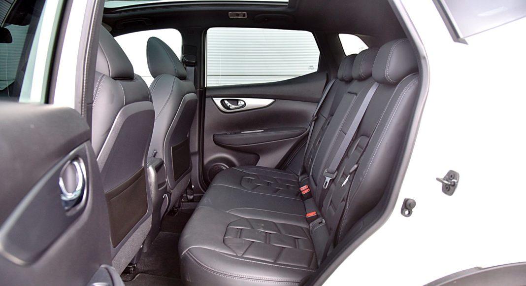 Nissan Qashqai DIG-T 160 DCT Tekna+ – fotele z tyłu