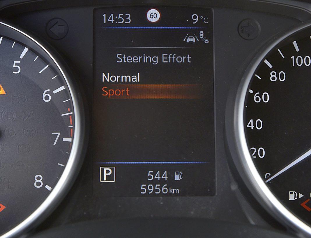 Nissan Qashqai DIG-T 160 DCT Tekna+ – wspomaganie kierownicy