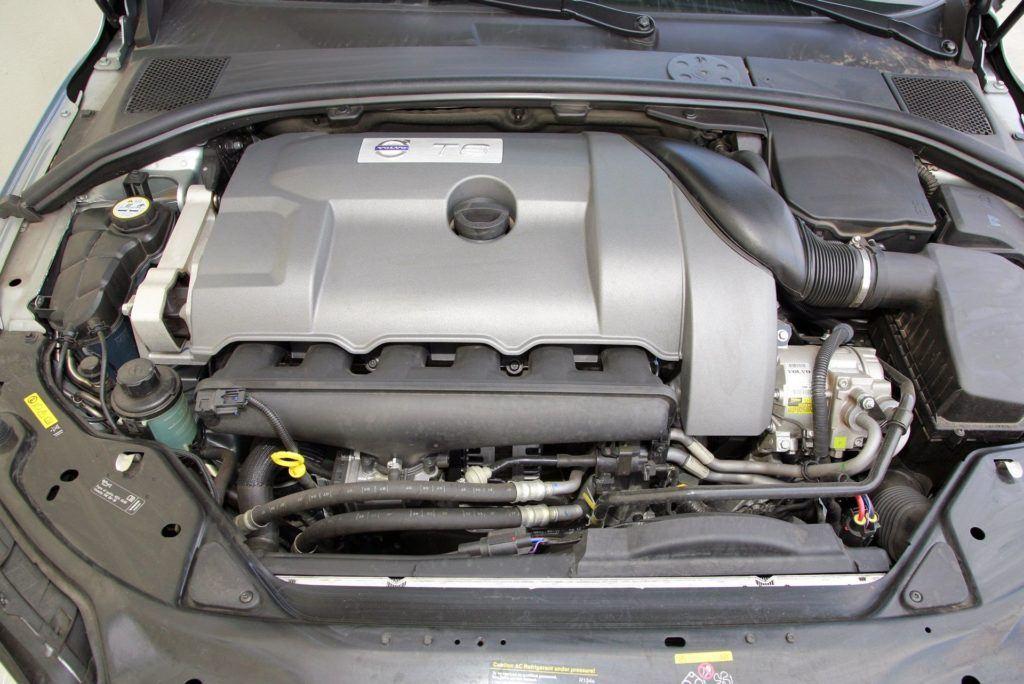 Volvo V70 III - silnik 3.0 T