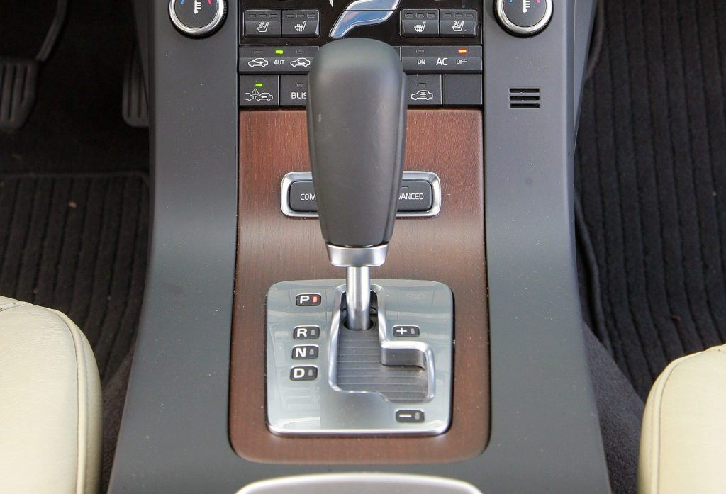 Volvo V70 III - skrzynia biegów