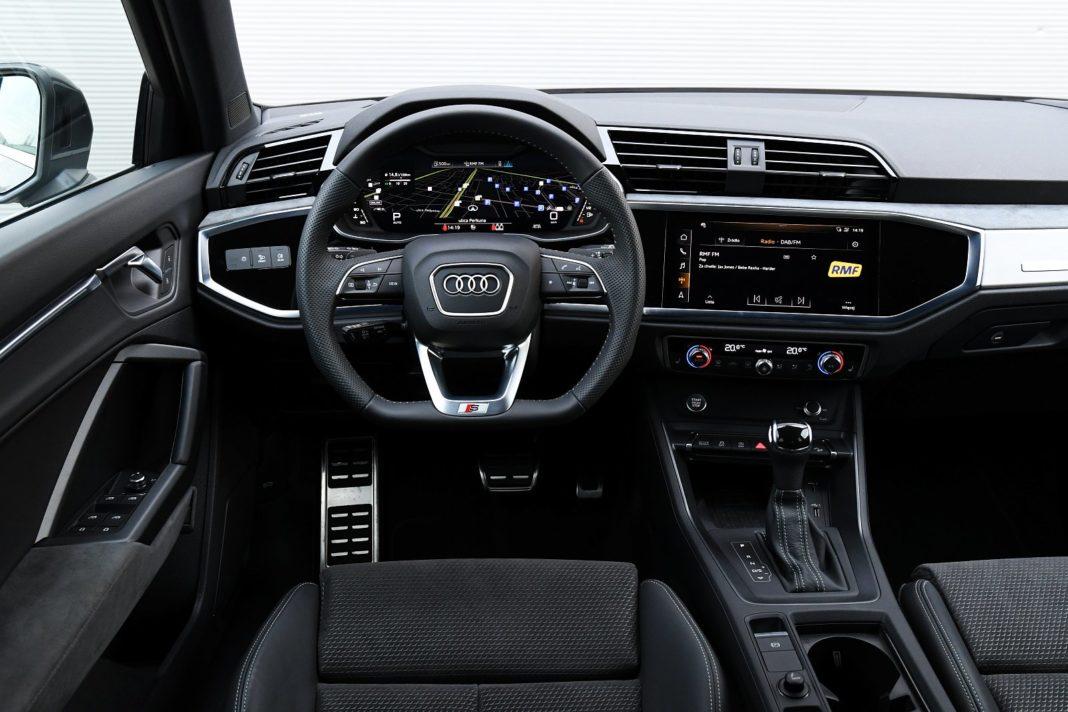 Audi Q3 Sportback 45 TFSI quattro S tronic - test - kokpit