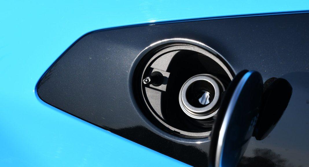 audi r8 po liftingu 2020 wlew paliwa
