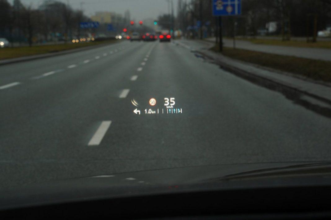 mazda cx-30 2.0 skyactiv-x test 2020 ekran head-up