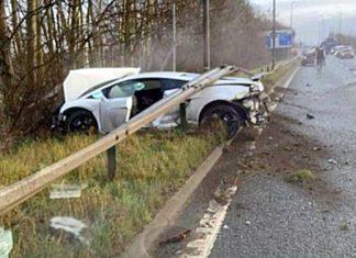 Znany piłkarz miał wypadek. Lamborghini wbite pod barierkę