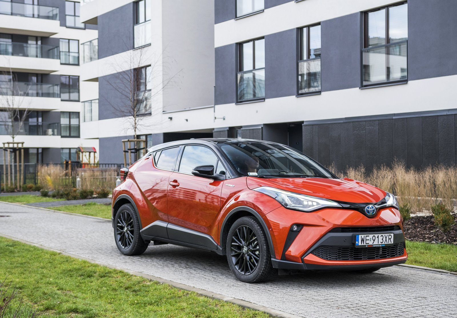 toyota c-hr 2.0 hybrid dynamic force test 2020 przód 00
