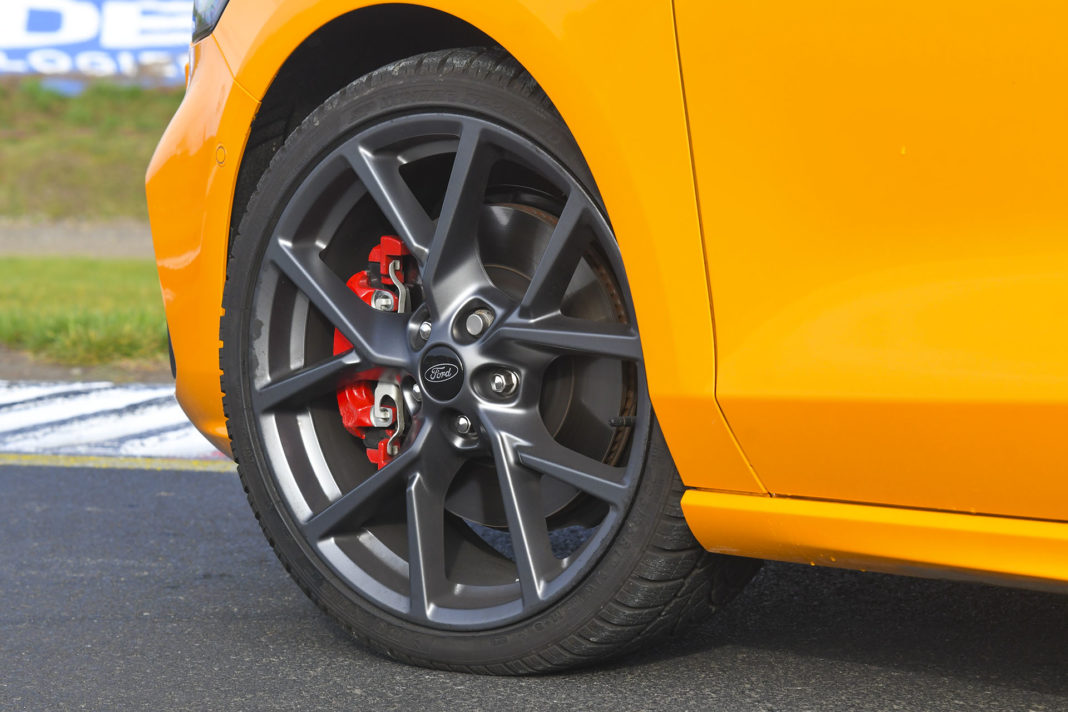 2020 Ford Focus ST - koło