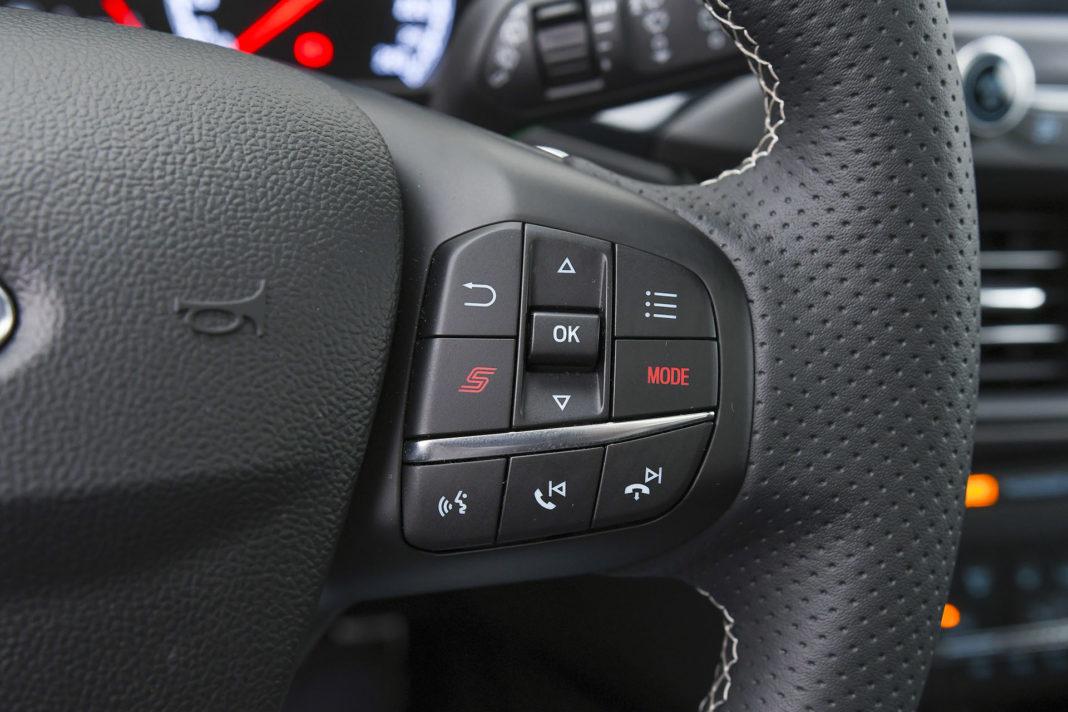 2020 Ford Focus ST - przyciski