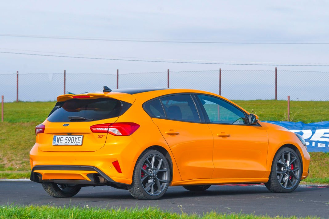 2020 Ford Focus ST - tył