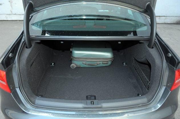 AUDI A4 B8 FL S-Line 2.0TFSI 211KM 7AT S-tronic Quattro PO016TT 03-2012