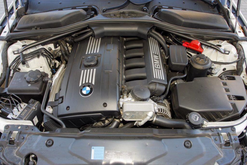 BMW 530i E60 3.0 R6 272KM 6AT WI0349J 10-2008