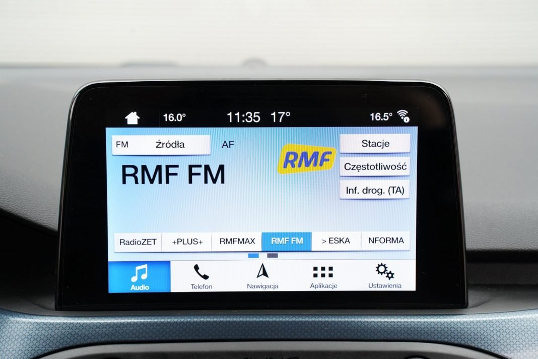 Ford-Focus-Active-Kombi-2.0-EcoBlue-test-2020-system-multimedialny