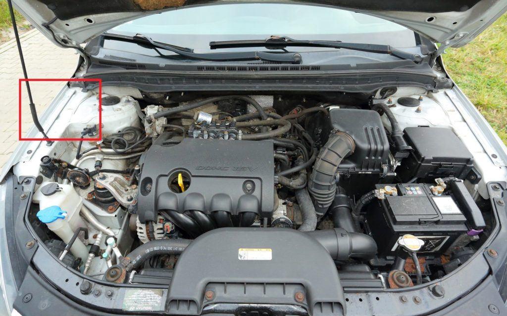 HYUNDAI i30 I FL CW 1.4 DOHC 16V LPG 109KM 5MT 2011r. DD - ZMIANA TABLIC
