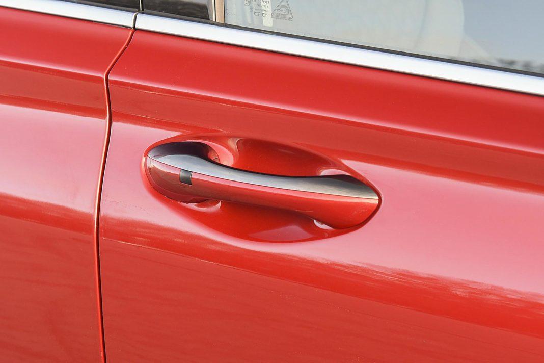 Hyundai Santa Fe 2.0 CRDi 8AT 4WD - klamka