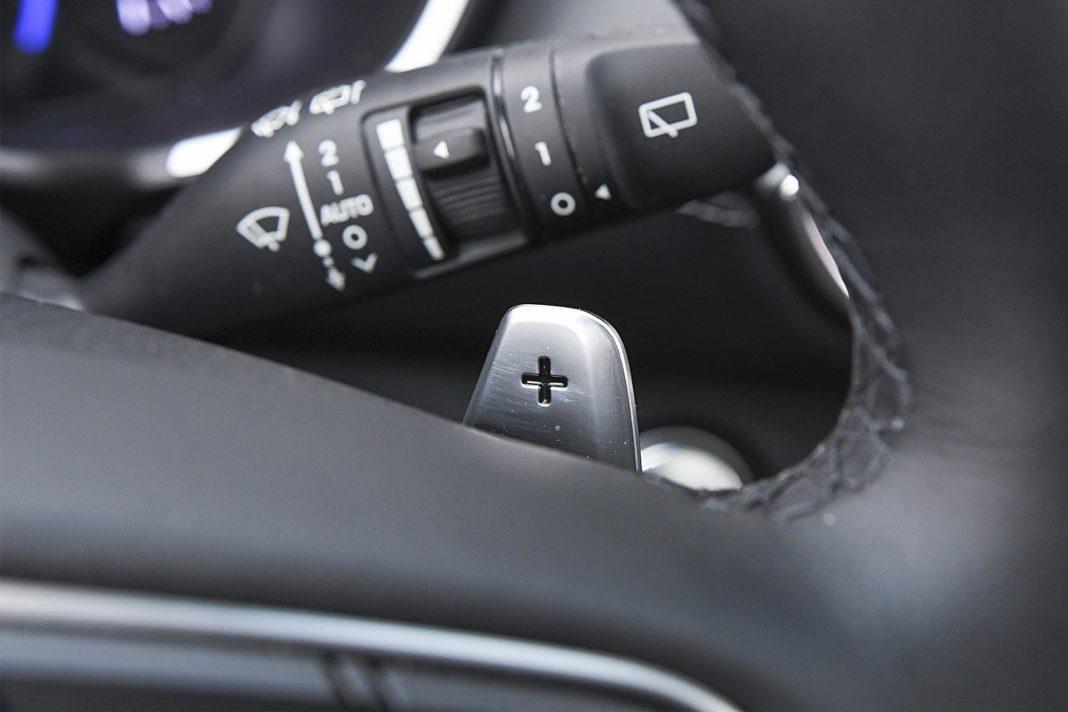 Hyundai Santa Fe 2.0 CRDi 8AT 4WD - łopatka zmiany biegów