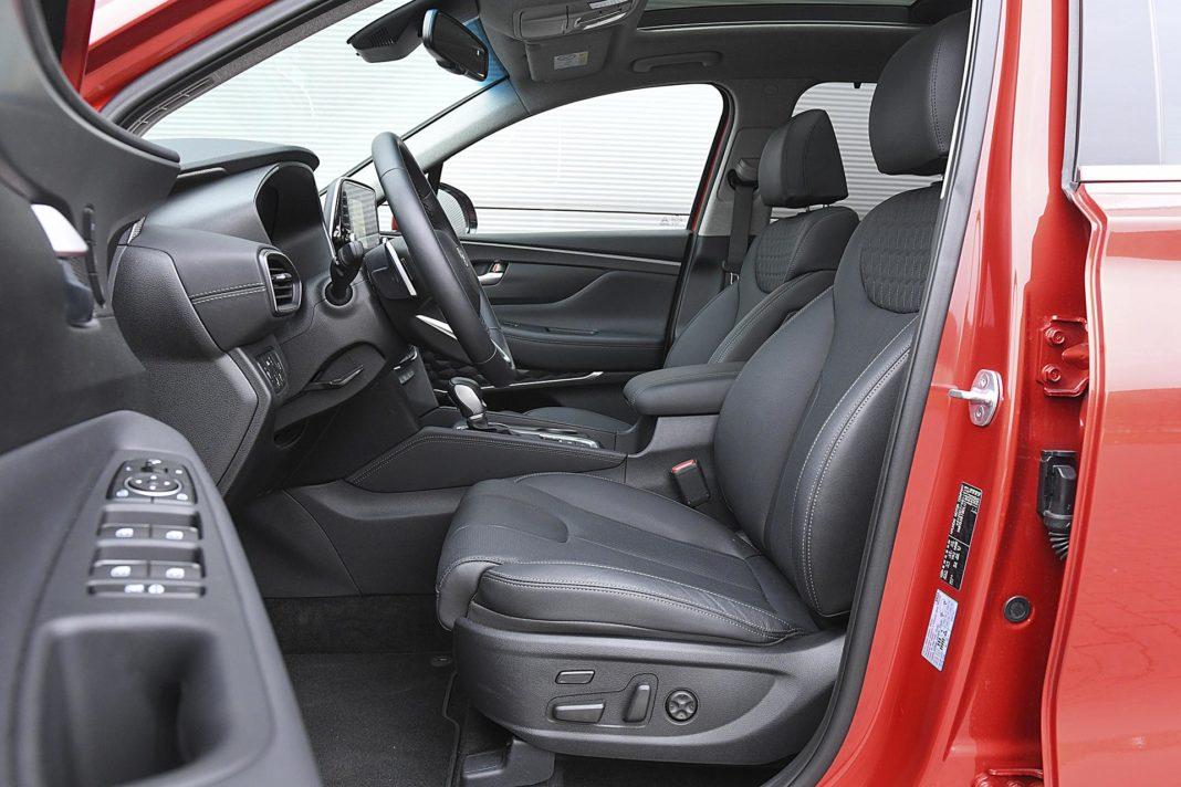 Hyundai Santa Fe 2.0 CRDi 8AT 4WD - fotele