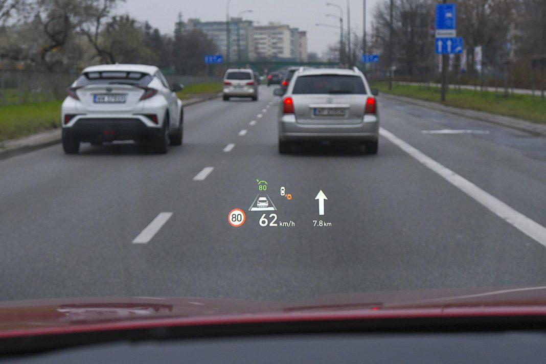 Hyundai Santa Fe 2.0 CRDi 8AT 4WD - wyświetlacz head-up