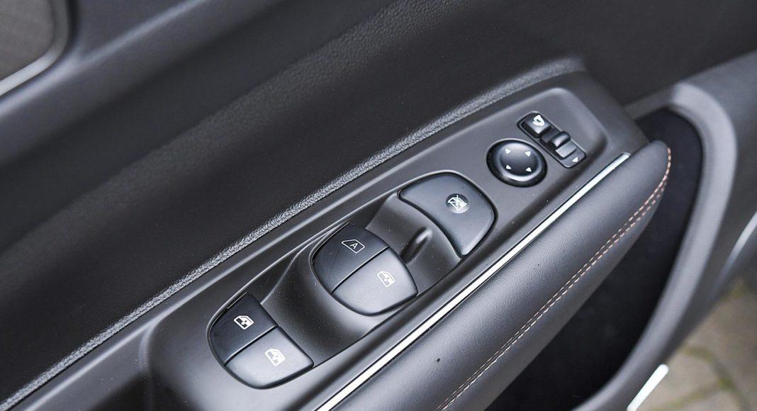 Renault Koleos 2.0 Blue dCi X-Tronic 4x4 - przyciski szyb