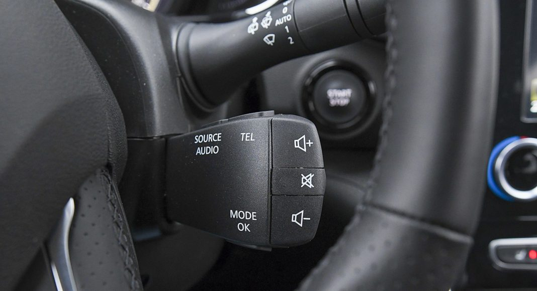 Renault Koleos 2.0 Blue dCi X-Tronic 4x4 - pilot do radia
