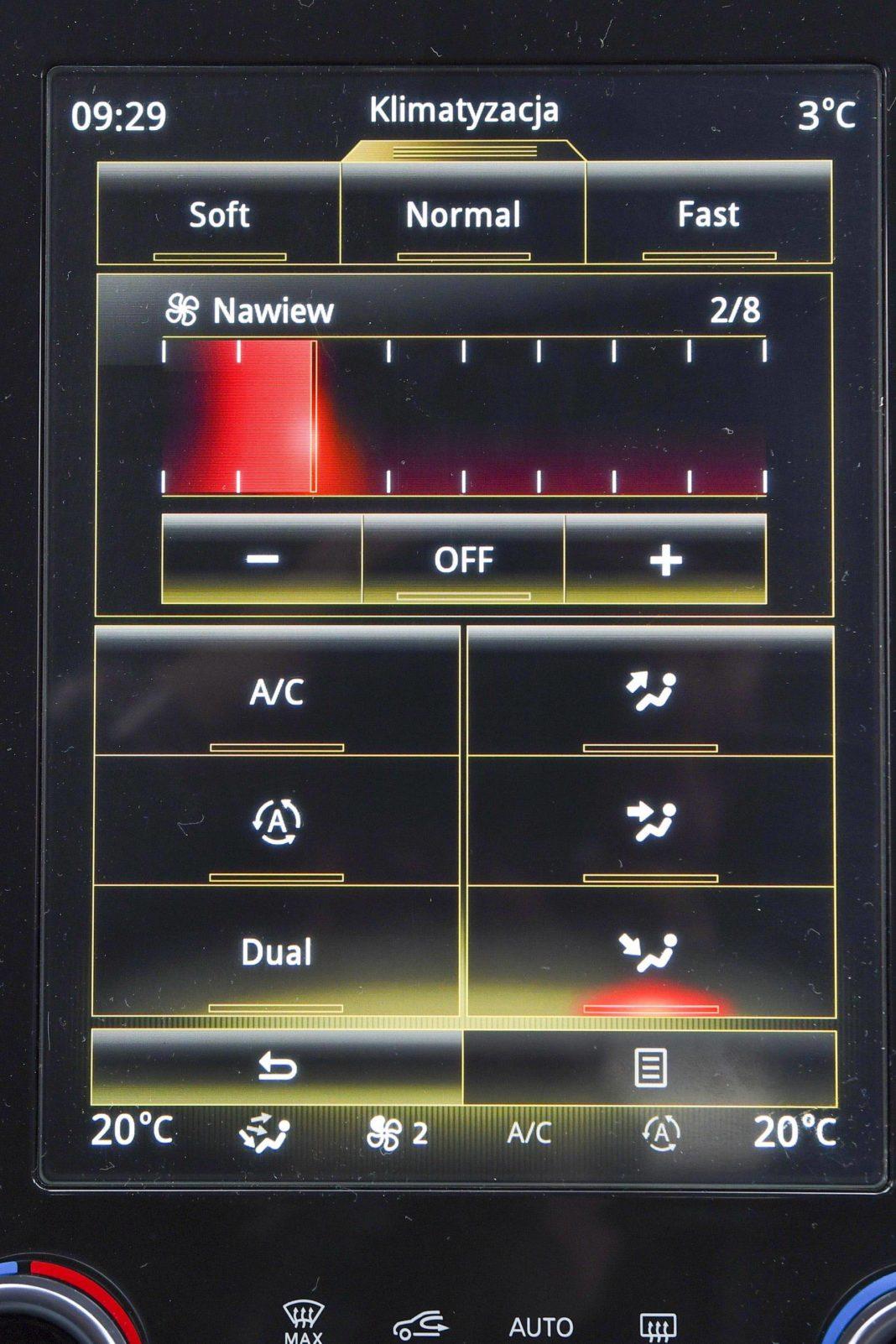 Renault Koleos 2.0 Blue dCi X-Tronic 4x4 - ekran centralny