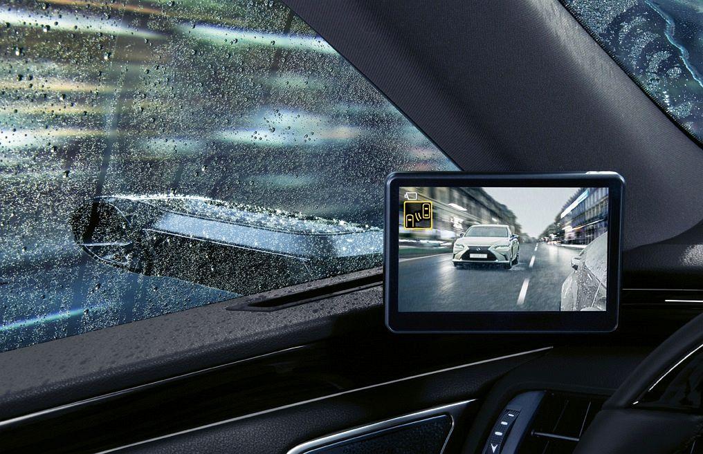 Lexus ES z kamerami zamiast lusterek 04