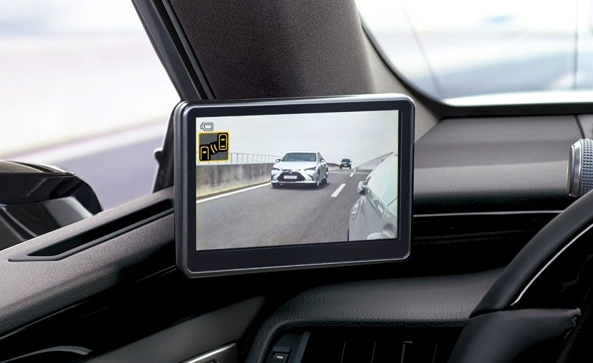 Lexus ES z kamerami zamiast lusterek 05